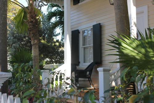 Eyebrow House Vacation Rentals
