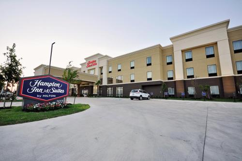 Hampton Inn and Suites Hutto Photo