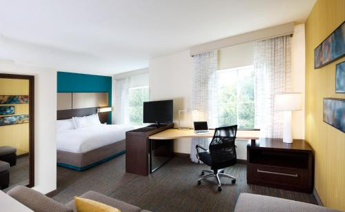 Residence Inn by Marriott Hamilton Photo