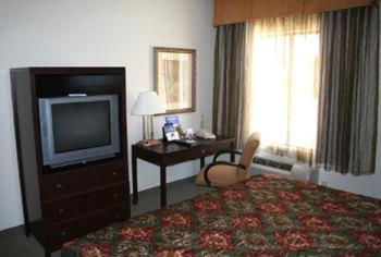 Best Western Plus Hotel at the Convention Center Photo