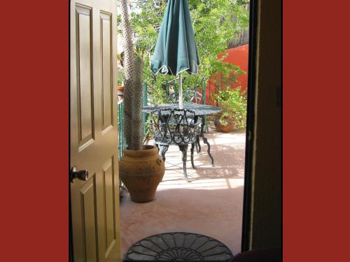 Casa Tuscany Inn Photo
