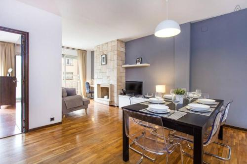 4 Bedroom Apartment in Eixample, Барселона
