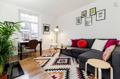 Designer 2 Bedroom in Bond Street - londres -