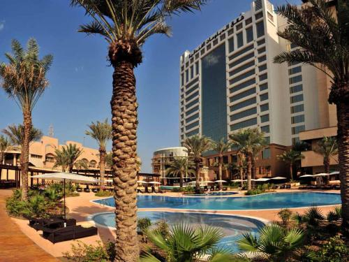 The Diplomat Radisson Blu Hotel Residence & Spa, green hotel in Manama, Bahrain