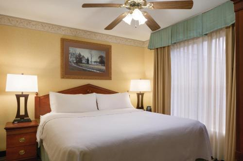 Homewood Suites By Hilton Detroit/Troy - Troy, MI 48084
