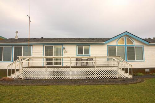Willapa Bay Beach House Photo