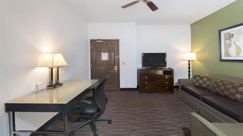 Holiday Inn Express Hotel & Suites Chicago-Deerfield/Lincolnshire Photo
