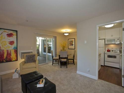 Sunnyvale Stylish 2/2 Photo