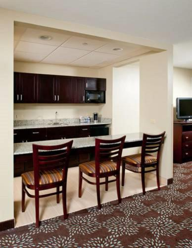 Holiday Inn Express Pittsburgh West - Greentree Photo