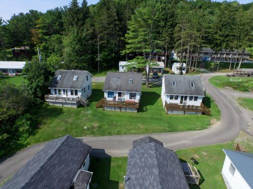 Photo of Bayside Inn & Marina - Three Bedroom Cottage L hotel in Cooperstown