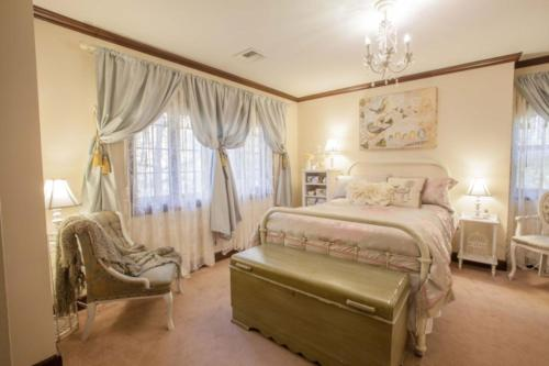 Pemberley Place Bed & Breakfast Photo
