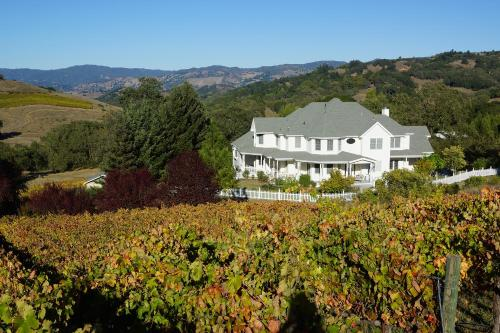 The Highlands Estate B&B - Cloverdale, CA 95425
