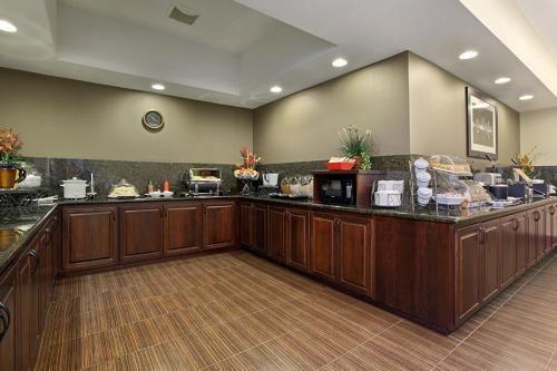 Best Western Plus Parkersville Inn & Suites Photo