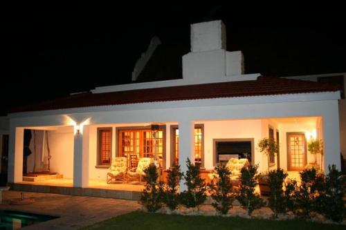 Woodlands Guest House Photo