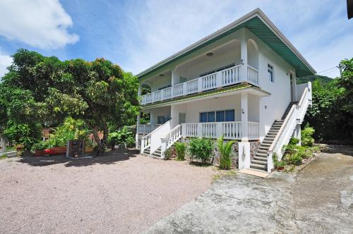 Divers Lodge Guest House, Beau Vallon