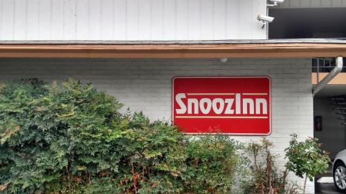Snooz Inn Photo