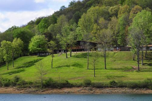 Tygart Lake Lodge Photo