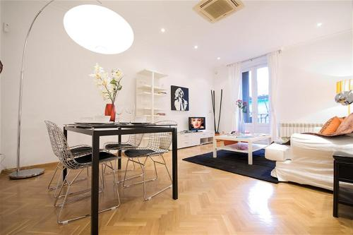 Friendly Rentals Paseo del Arte II - Madrid - booking - hébergement