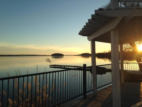 Elmhirst's Resort Photo