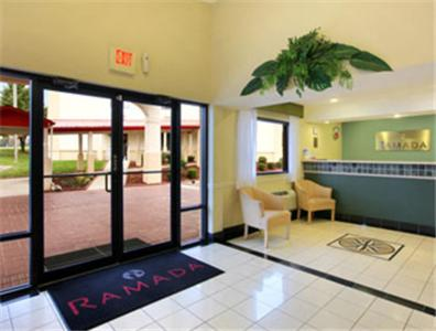 Ramada Columbia Photo