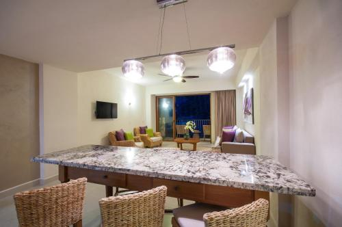 Almar Resort Luxury All Suites & Spa Adults Only Photo