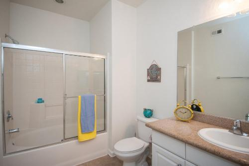Sunshine Suites at 2500 - San Diego, CA 92108