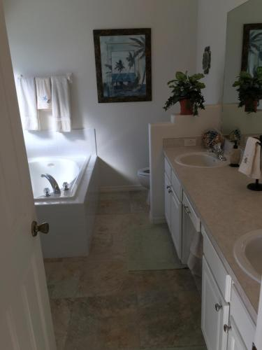 Clermont Vacation Homes by DWS Vacation Photo