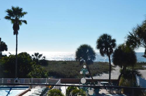 Johns Pass Beach Motel Photo