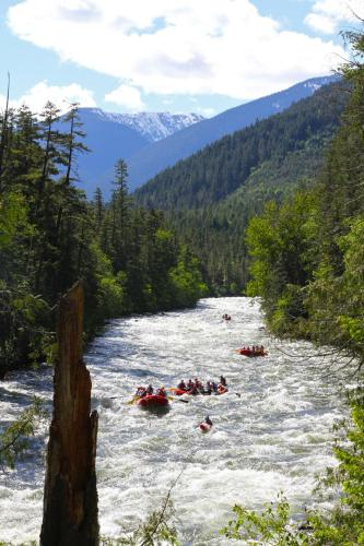 REO Rafting Resort Photo