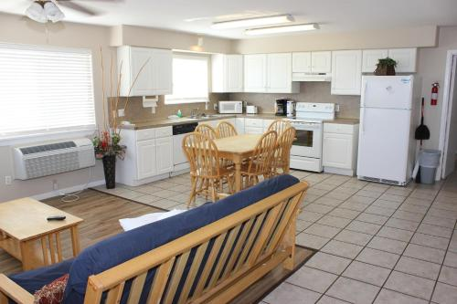 Beachgate 227 2BR - Port Aransas, TX 78373