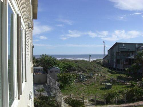 Beachgate 228 2BR Photo