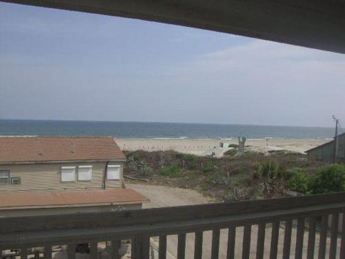 Beachgate 235 2BR Photo