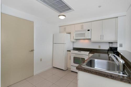 One-Bedroom Apartment in Miami, Coconut Grove # 1811 Photo
