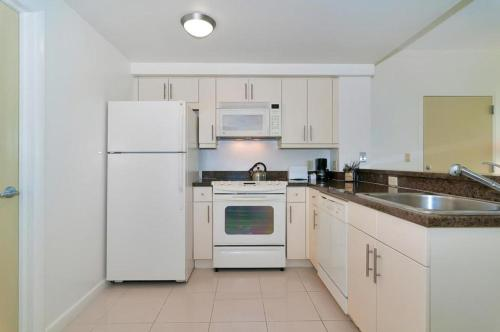 Two-Bedroom Apartment in Miami, Coconut Grove # 1508-1509 Photo
