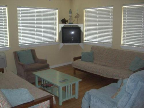 Beachgate 221 2BR Photo