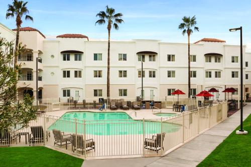 Homewood Suites Tucson St. Philip's Plaza University Photo