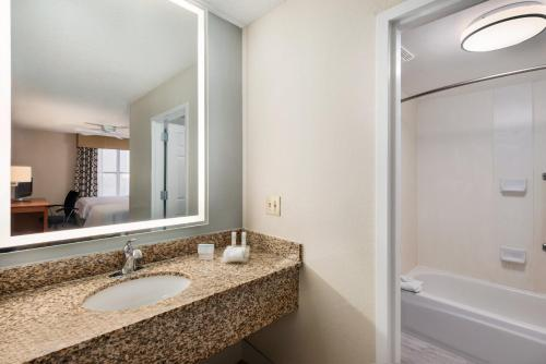 Homewood Suites by Hilton Orlando-Intl Drive/Convention Ctr photo 20
