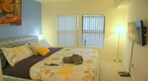 Two Bedroom Vacation Apt #DTRS #2J - Los Angeles, CA 90017