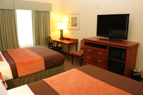 Best Western Plus Heritage Hotel and Suites Photo