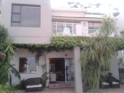 Bluegum Hill Guesthouse Photo