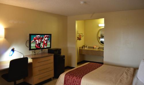 Red Roof Inn San Antonio - Lackland Photo