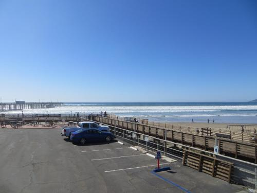 Dolphin Cove Motel - Pismo Beach, CA 93449
