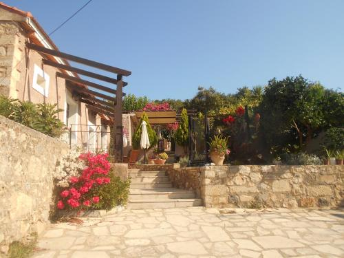 Traditional houses Kefala 1860 in rethymno - 0 star hotel