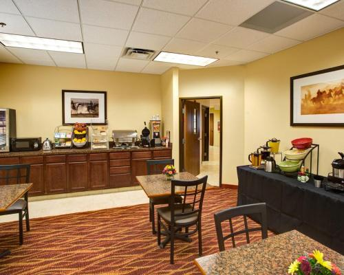 Rodeway Inn & Suites Phillipsburg Photo