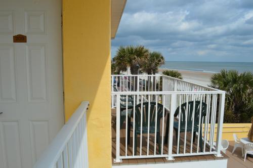 Oceanfront Inn and Suites - Ormond Photo