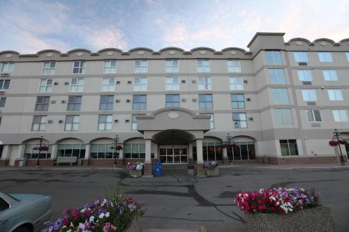 St. Albert Inn & Suites Photo