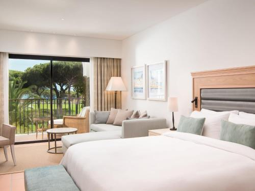 Foto de Pine Cliffs Ocean Suites, A Luxury Collection Resort, Algarve