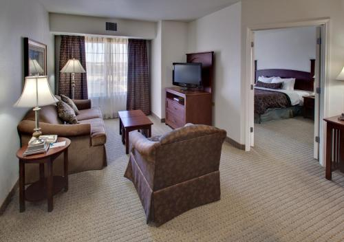 Staybridge Suites Rockford Photo
