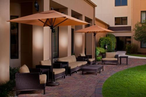 Courtyard by Marriott Baton Rouge Acadian Centre/LSU Area Photo
