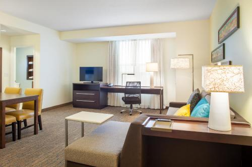 Residence Inn by Marriott Orlando Downtown Photo